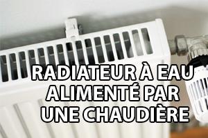 un radiateur à eau alimenté par une chaudière